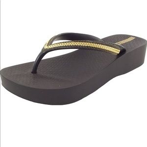 Ipanema | Wedge Platform Thong Flip Flop Black 10